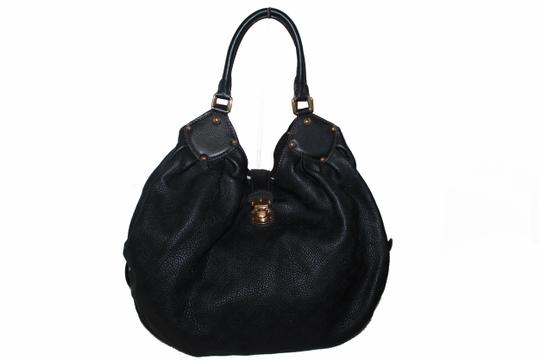 Preload https://img-static.tradesy.com/item/26263317/louis-vuitton-xl-leather-black-perforated-monogram-mahina-cuir-shoulder-bag-0-0-540-540.jpg
