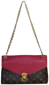 Louis Vuitton Pallas Pallas Chain Pallas Shoulder Bag