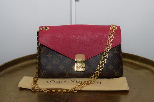 Louis Vuitton Pallas Pallas Chain Pallas Shoulder Bag Image 1