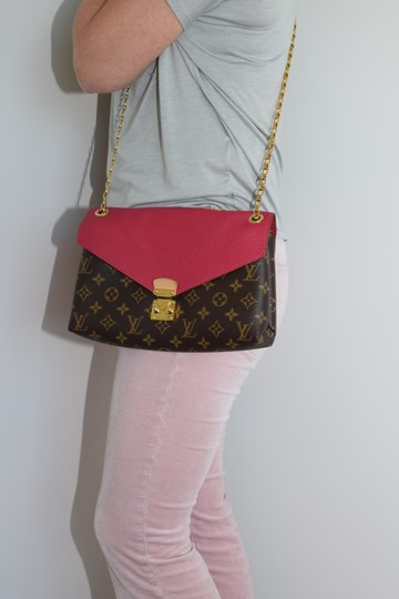 Louis Vuitton Pallas Pallas Chain Pallas Shoulder Bag Image 11