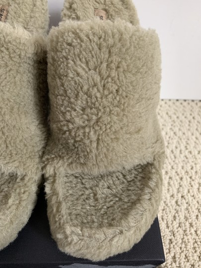 YEEZY Faux Fur Open Toe Mule Beige Pumps Image 4