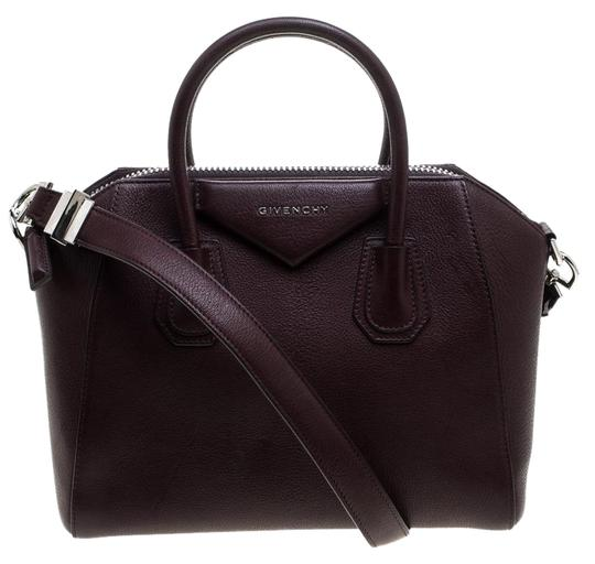 Preload https://img-static.tradesy.com/item/26263435/givenchy-small-antigona-burgundy-leather-satchel-0-1-540-540.jpg