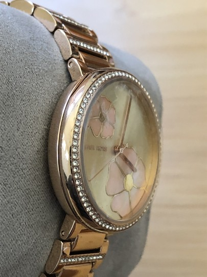 Michael Kors Flash-sale Courtney mother-of-pearl floral print watch Image 2