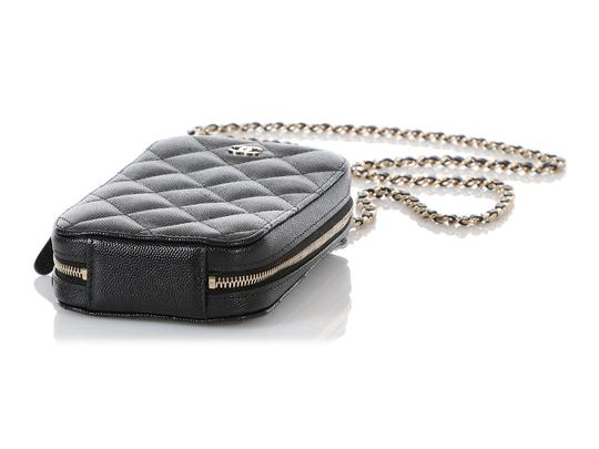 Chanel BLACK QUILTED CAVIAR LEATHER CROSSBODY PHONE CASE Image 5