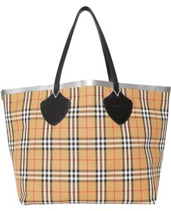 Burberry Travel Autumn Tote in brown