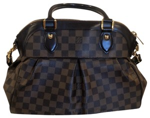 Louis Vuitton Satchel in damier patern