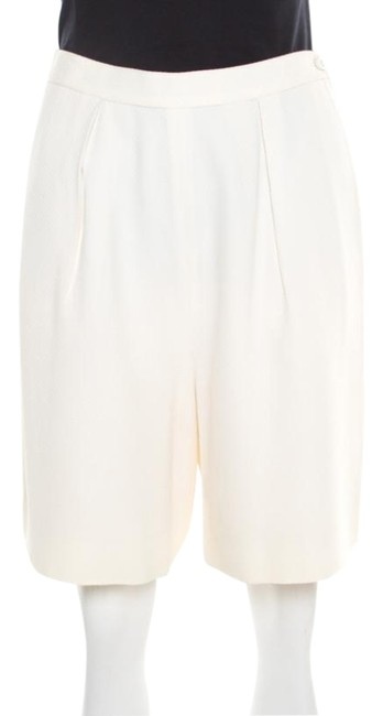 Preload https://img-static.tradesy.com/item/26283568/chanel-cream-textured-high-waist-shorts-size-10-m-31-0-1-650-650.jpg