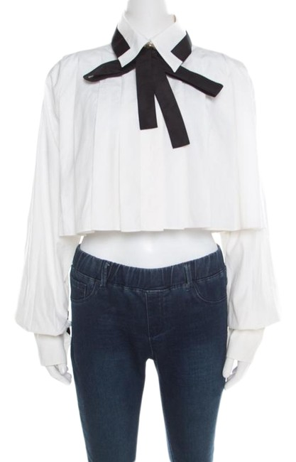 Preload https://img-static.tradesy.com/item/26283643/chanel-white-cotton-contrast-neck-tie-detail-cropped-blouse-size-10-m-0-1-650-650.jpg
