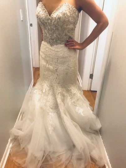 Allure Bridals Ivory Lace/Beading - Fit & Flare Formal Wedding Dress Size 4 (S) Image 1