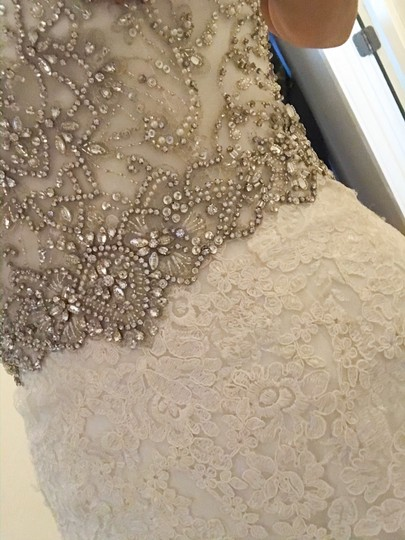 Allure Bridals Ivory Lace/Beading - Fit & Flare Formal Wedding Dress Size 4 (S) Image 3