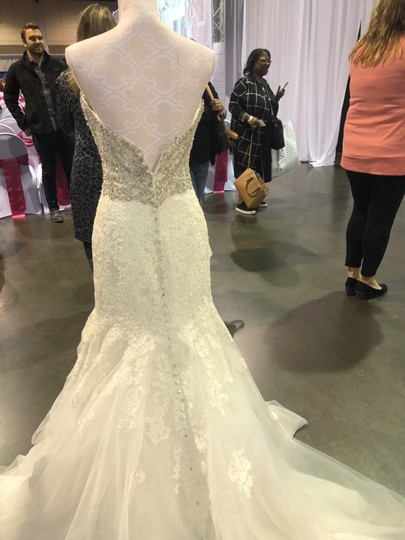 Allure Bridals Ivory Lace/Beading - Fit & Flare Formal Wedding Dress Size 4 (S) Image 4
