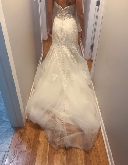 Allure Bridals Ivory Lace/Beading - Fit & Flare Formal Wedding Dress Size 4 (S) Image 5