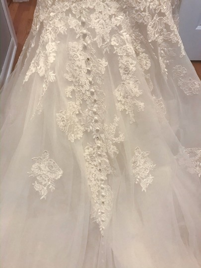 Allure Bridals Ivory Lace/Beading - Fit & Flare Formal Wedding Dress Size 4 (S) Image 7