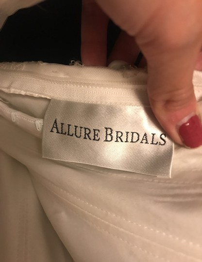 Allure Bridals Ivory Lace/Beading - Fit & Flare Formal Wedding Dress Size 4 (S) Image 8