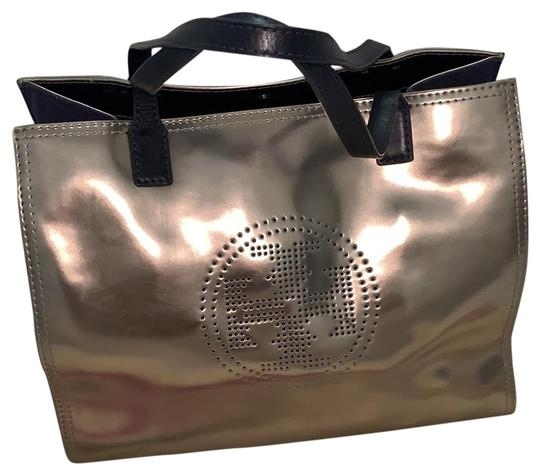 Preload https://img-static.tradesy.com/item/26283992/tory-burch-silver-leather-tote-0-1-540-540.jpg