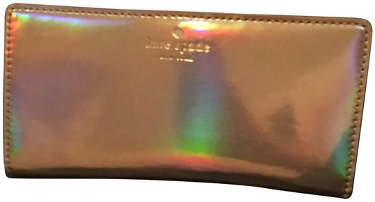 Preload https://img-static.tradesy.com/item/26284012/kate-spade-iridescent-rose-gold-and-black-leather-wallet-0-1-540-540.jpg
