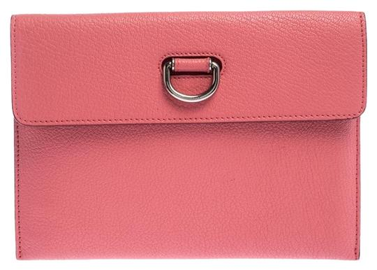 Preload https://img-static.tradesy.com/item/26284065/burberry-coral-patton-pink-leather-clutch-0-1-540-540.jpg