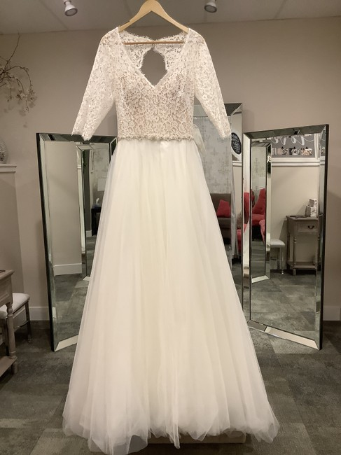 Item - Ivory Over Nude Lace & Tulle Scarlett Formal Wedding Dress Size 6 (S)
