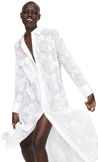 Item - White Floral Embroidered Tunic with Pocket Resort Wear M 8 Long Cocktail Dress Size 4 (S)