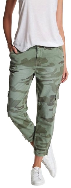 Item - Green Camo Dark Rinse Utilitarian Cargo Pant Ankle Zip Accent Crop Print Zipper Capri/Cropped Jeans Size 28 (4, S)