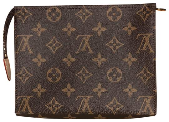 Preload https://img-static.tradesy.com/item/26287396/louis-vuitton-toiletry-19-monogram-2019-brown-canvas-clutch-0-1-540-540.jpg