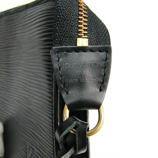 Louis Vuitton Satchel in Noir Image 8