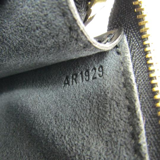 Louis Vuitton Satchel in Noir Image 9