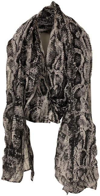 Item - Black and White Scarf/Wrap