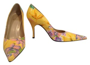 Stuart Weitzman Yellow Flowers Sun Peony Linen Pumps