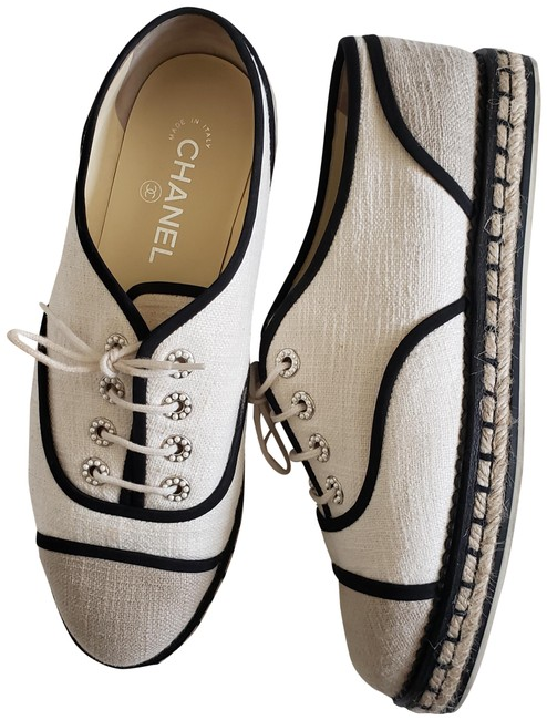 Item - Black and White Loafers Flats Size EU 41 (Approx. US 11) Regular (M, B)