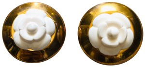 Chanel Vintage Chanel Camellia Round Earring