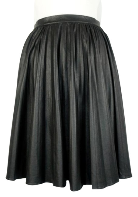Item - Black Faux Leather Pleated Skirt Size 4 (S, 27)