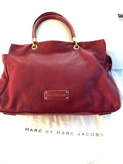 Marc by Marc Jacobs Tote in burgundy Image 1