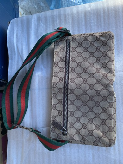 Gucci Wristlet in brown Image 10