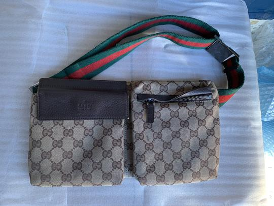 Gucci Wristlet in brown Image 11