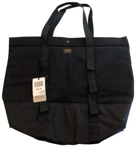 Carhartt Sporty Overnight Travel Tote in black