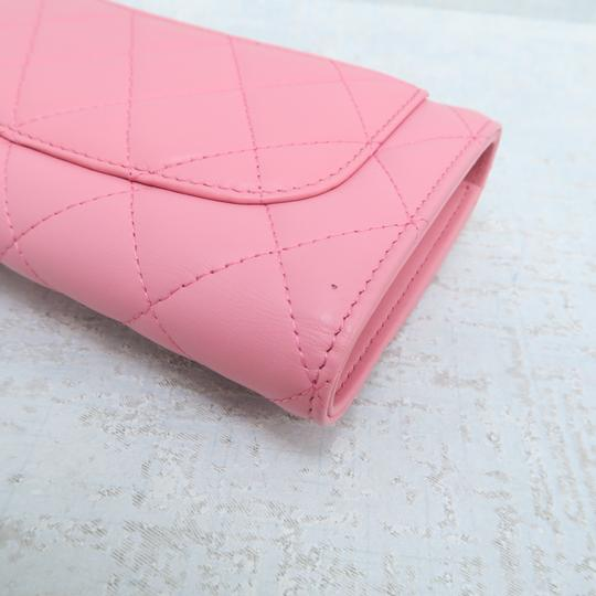 Chanel Pink Lambskin Quilted Trifold Wallet Image 5
