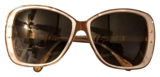 Preload https://img-static.tradesy.com/item/26298006/dolce-and-gabbana-tan-and-mother-of-pearl-oversized-sunglasses-0-2-540-540.jpg