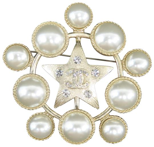 Preload https://img-static.tradesy.com/item/26298244/chanel-gold-tone-faux-pearl-and-strass-cc-brooch-0-2-540-540.jpg