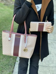 Michael Kors Mk Signature Set Tote in Ballet