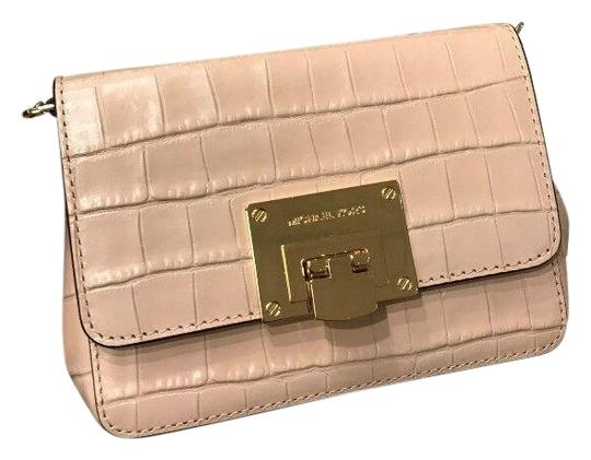 Preload https://img-static.tradesy.com/item/26298377/michael-kors-tina-mk-embossed-ballet-small-pink-leather-cross-body-bag-0-1-540-540.jpg