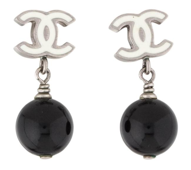 Chanel White Black Silver Pearl Cc Logo Drop Dangling Classic 11c Pierced Enamel Bead Ball Mono Earrings Chanel White Black Silver Pearl Cc Logo Drop Dangling Classic 11c Pierced Enamel Bead Ball Mono Earrings Image 1