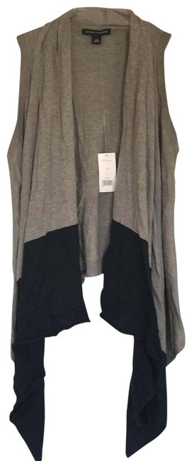 Item - Light Grey and Navy Sweater