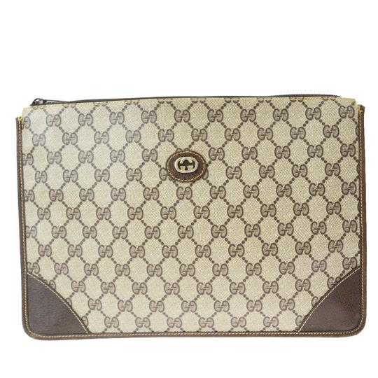 Preload https://img-static.tradesy.com/item/26300397/gucci-gg-pattern-hand-italy-brown-pvc-leather-clutch-0-0-540-540.jpg