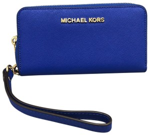 MICHAEL Michael Kors Wristlet in Royal Blue