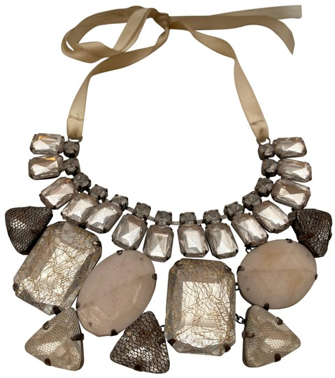 Preload https://img-static.tradesy.com/item/26300544/lord-and-taylor-pink-large-statement-necklace-0-2-540-540.jpg