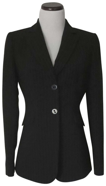 Preload https://img-static.tradesy.com/item/26300718/tahari-black-with-white-pinstripes-like-new-and-fit-and-blazer-size-4-s-0-1-650-650.jpg