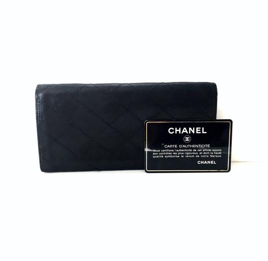 Preload https://img-static.tradesy.com/item/26300797/chanel-black-long-vintage-quilted-leather-bifold-wallet-0-0-540-540.jpg