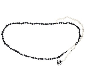 Chanel CC Logo Medallion Pearl Bead Graduated Pearls Chain Necklace Strand