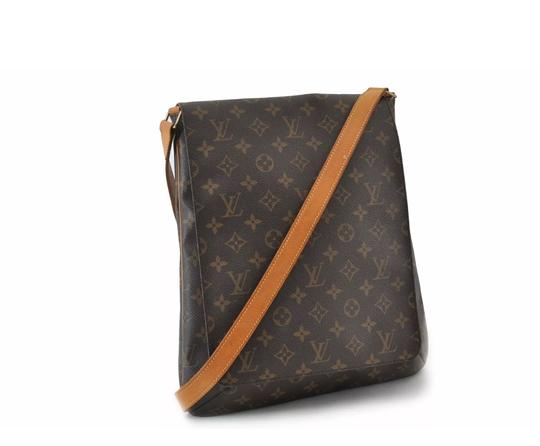 Preload https://img-static.tradesy.com/item/26304293/louis-vuitton-musette-salsa-gm-large-with-long-strap-monogram-canvas-cross-body-bag-0-0-540-540.jpg